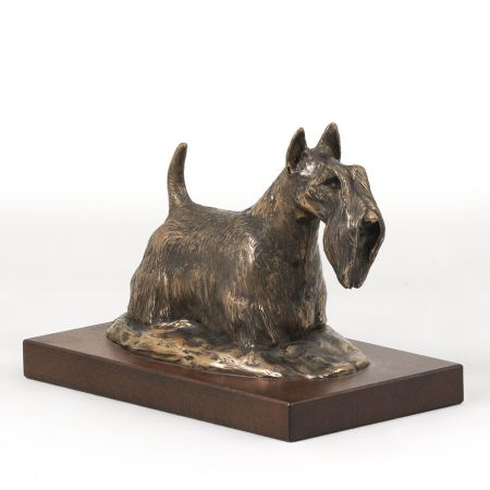 Scottish Terrier statue on wooden base