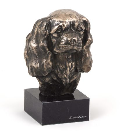King Charles Spaniel statue on marble base